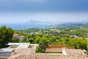 Sunny bungalow for sale in Altea Hills